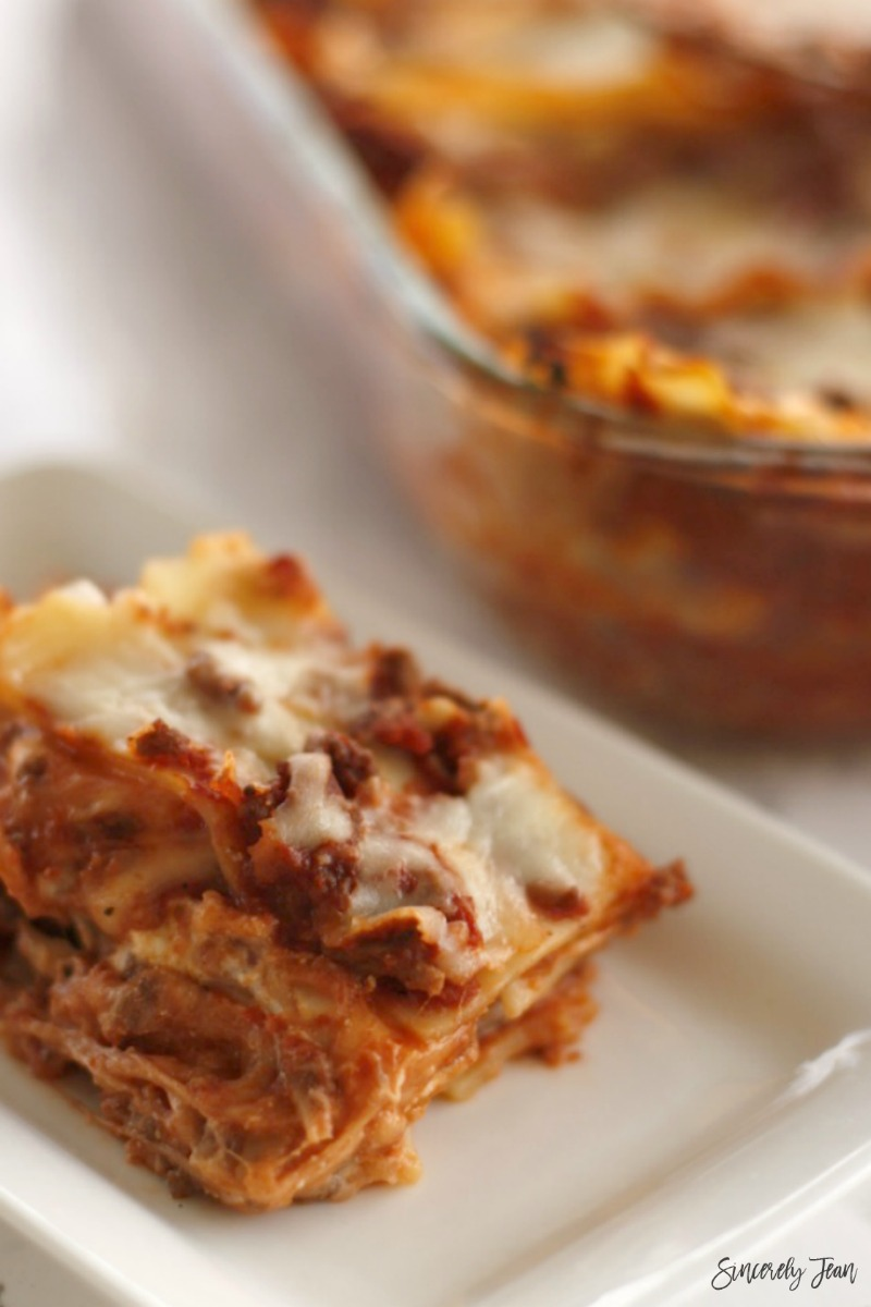 5 ingredient recipes by SincerelyJean.com - Simple meat lasagna