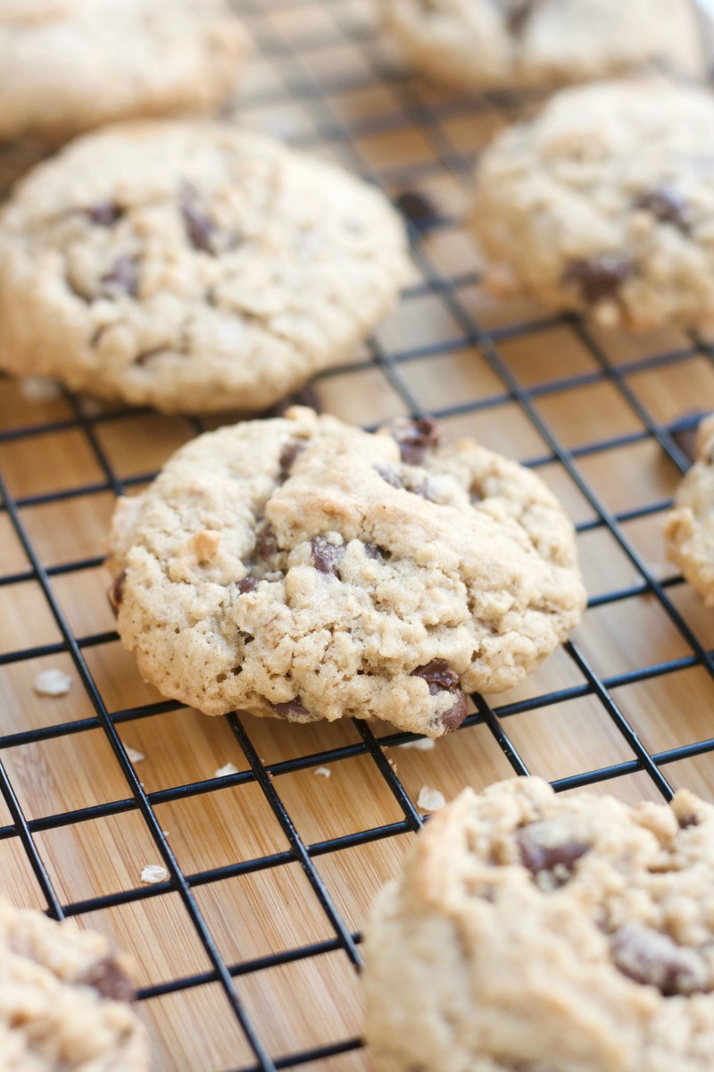 Chewy Chocolate Chip Oatmeal Cookies - Homemade - soft - easy - delicious - simple - cookies- dessert