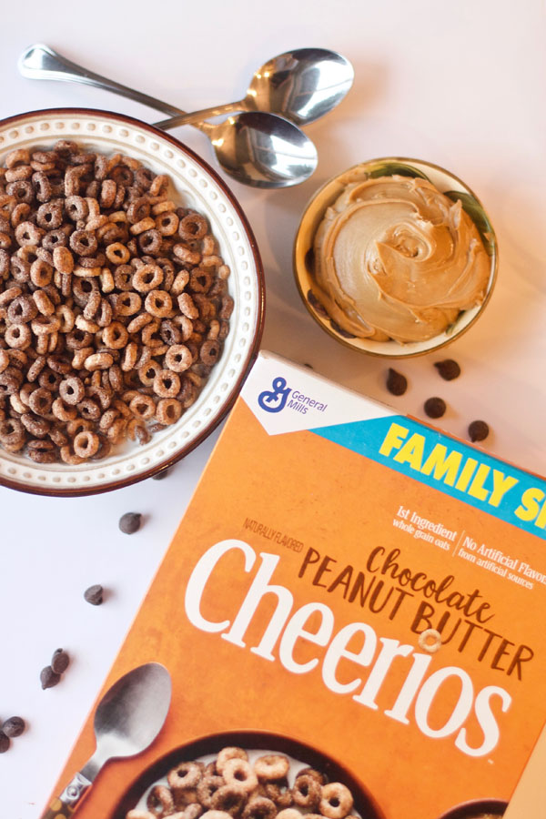 Chocolate Peanut Butter Cheerios - breakfast, easy, simple, back to school, chocolate, peanut butter, cereal
